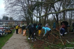 windermere-students-remove-blackberry-Jan-2020